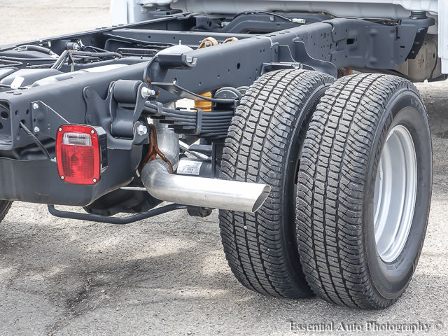 2017 F-350 Regular Cab DRW 4x4 Cab Chassis #172588 - photo 8