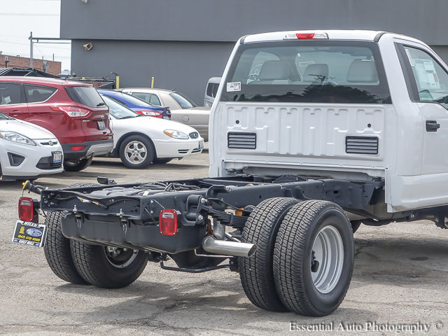 2017 F-350 Regular Cab DRW 4x4 Cab Chassis #172588 - photo 9