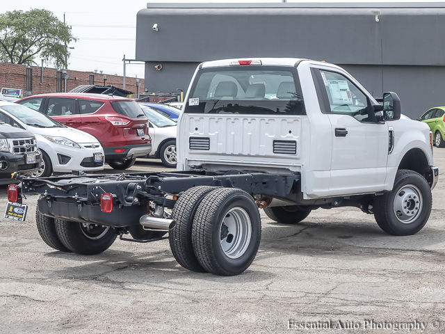 2017 F-350 Regular Cab DRW 4x4 Cab Chassis #172588 - photo 2