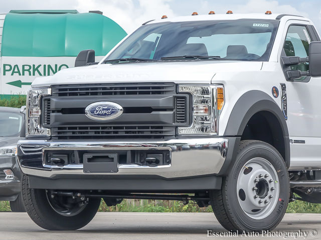 2017 F-450 Regular Cab DRW Cab Chassis #172725 - photo 3