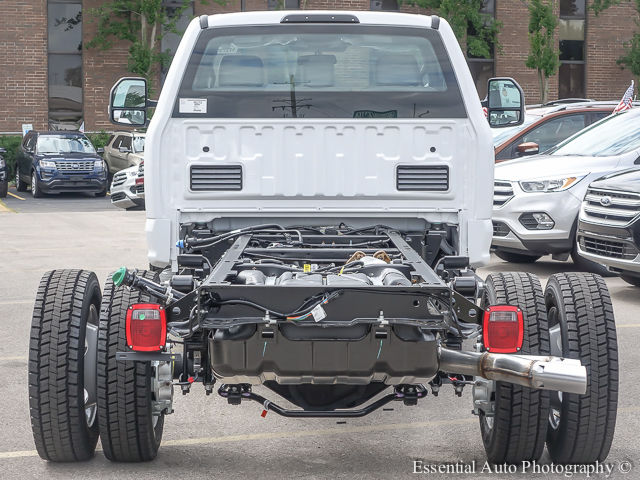 2017 F-450 Regular Cab DRW Cab Chassis #172725 - photo 7