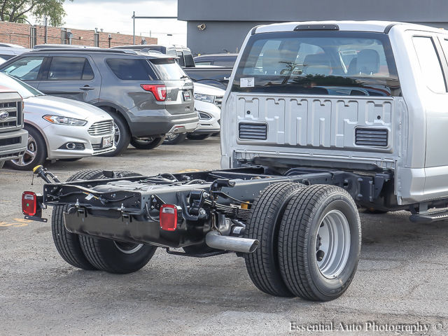 2017 F-350 Super Cab DRW Cab Chassis #172805 - photo 9