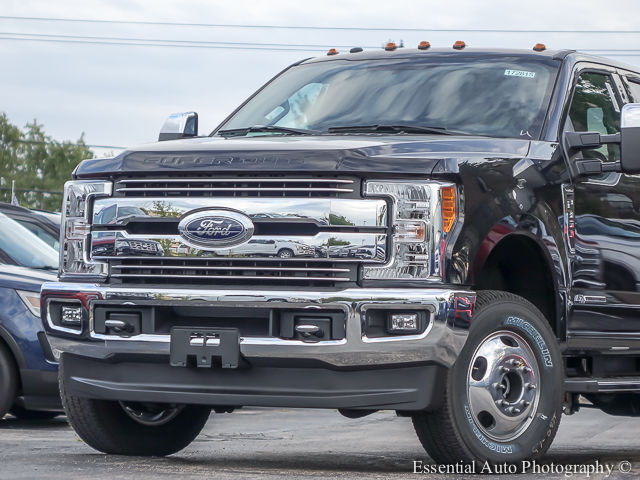 2017 F-350 Crew Cab DRW 4x4 Pickup #172815 - photo 3