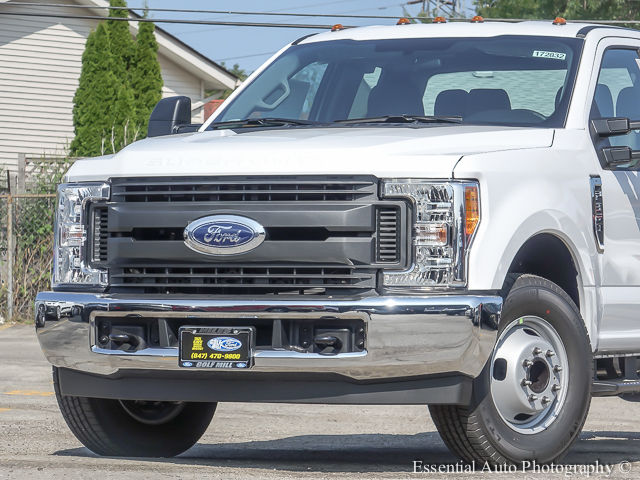 2017 F-350 Super Cab DRW Cab Chassis #172832 - photo 3