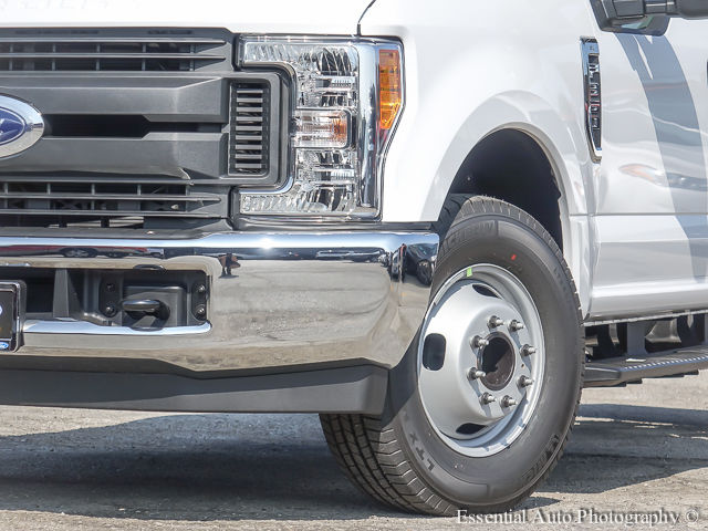 2017 F-350 Super Cab DRW Cab Chassis #172832 - photo 4