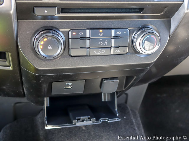 2018 F-250 Regular Cab 4x4, Pickup #180463 - photo 17