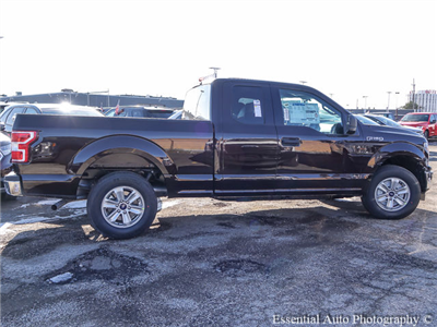 2018 F-250 Regular Cab 4x4, Pickup #180463 - photo 9