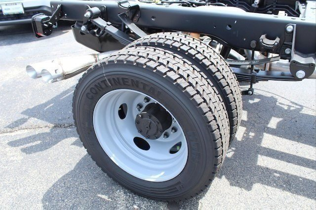 2018 F-450 Regular Cab DRW 4x2,  Cab Chassis #182359 - photo 8