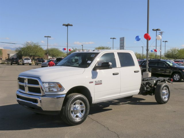 2016 Ram 3500 Crew Cab, Cab Chassis #D164027 - photo 4