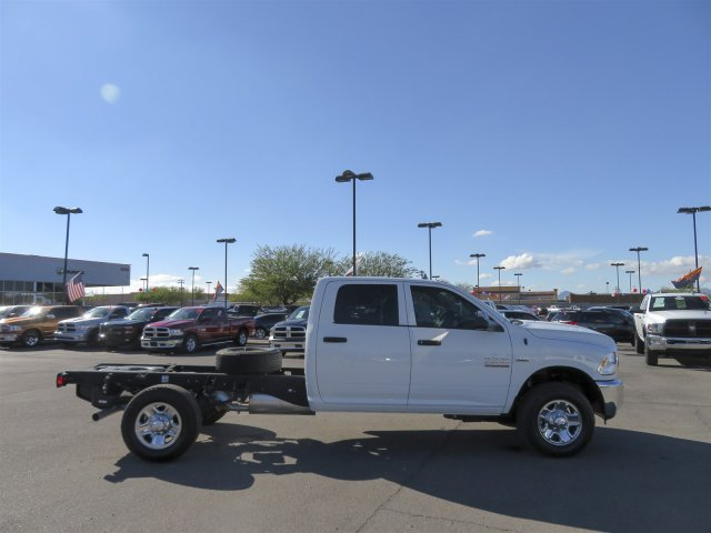 2016 Ram 3500 Crew Cab, Cab Chassis #D164027 - photo 8