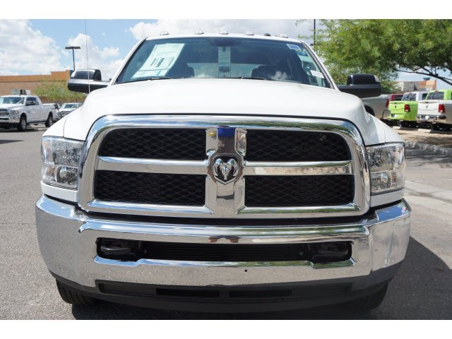 2017 Ram 3500 Crew Cab DRW 4x4 Pickup #D173976 - photo 3