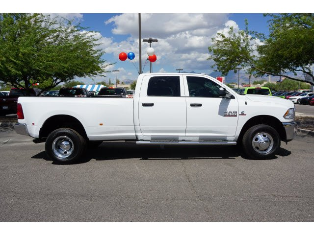 2017 Ram 3500 Crew Cab DRW 4x4 Pickup #D173976 - photo 4