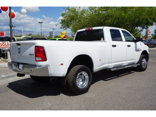 2017 Ram 3500 Crew Cab DRW 4x4 Pickup #D173976 - photo 2