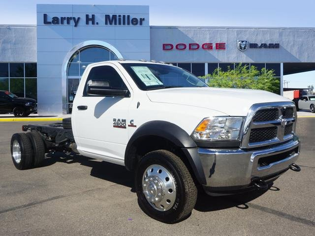2017 Ram 4500 Regular Cab DRW, Cab Chassis #D174180 - photo 10