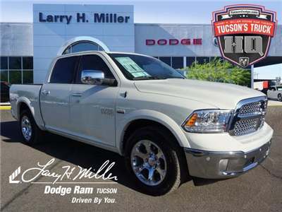 2018 Ram 1500 Crew Cab, Pickup #D182339 - photo 1