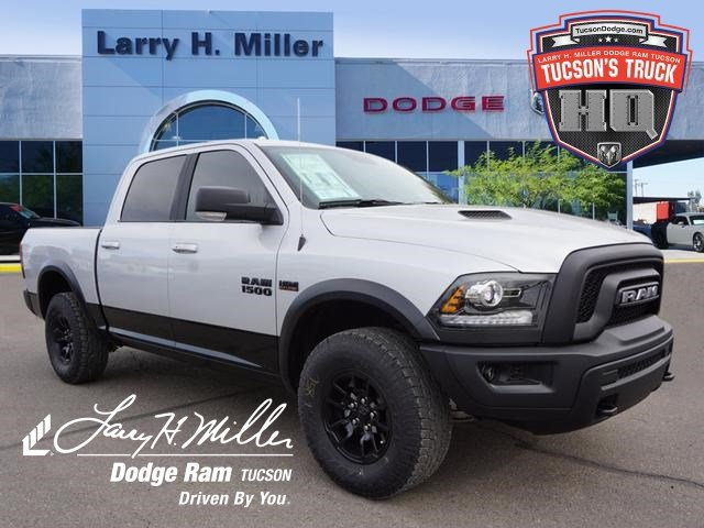 2018 Ram 1500 Crew Cab 4x4,  Pickup #D182387 - photo 1