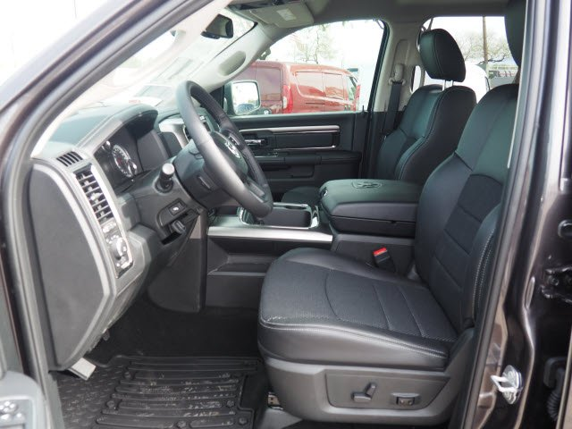 2018 Ram 1500 Crew Cab 4x4,  Pickup #D182552 - photo 7
