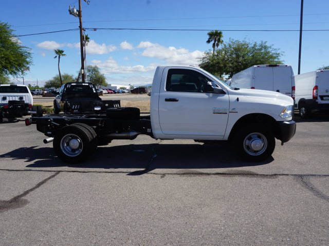 2018 Ram 3500 Regular Cab DRW 4x2,  Cab Chassis #D183416 - photo 4