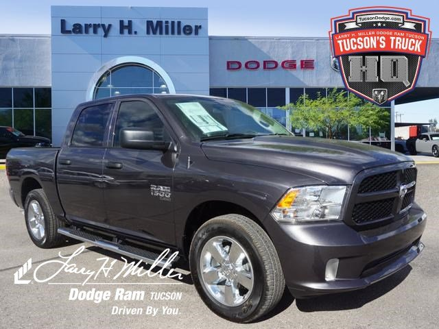 2019 Ram 1500 Crew Cab 4x2,  Pickup #D192161 - photo 1
