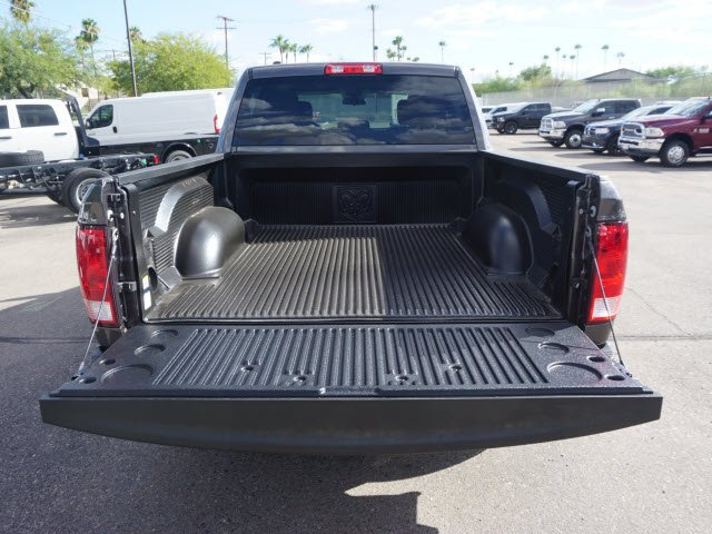 2019 Ram 1500 Crew Cab 4x2,  Pickup #D192161 - photo 6