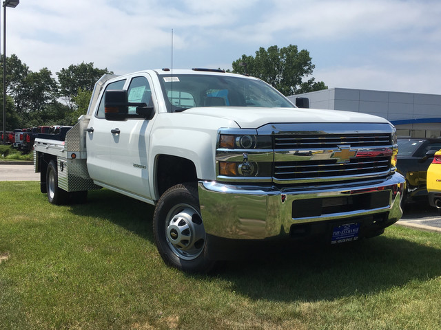 2017 Silverado 3500 Crew Cab Platform Body #C17996 - photo 3