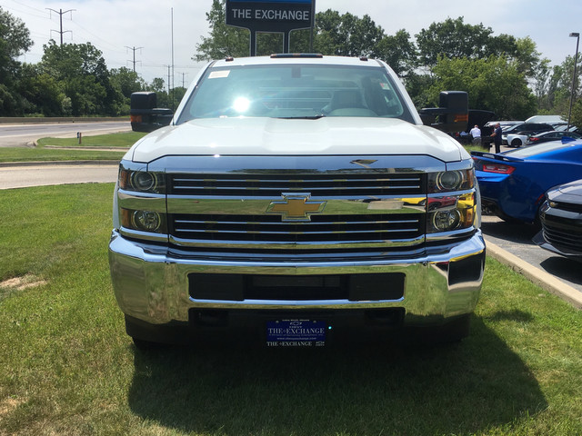 2017 Silverado 3500 Crew Cab Platform Body #C17996 - photo 4