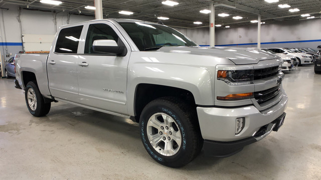 2018 Silverado 1500 Crew Cab 4x4, Pickup #C18357 - photo 3