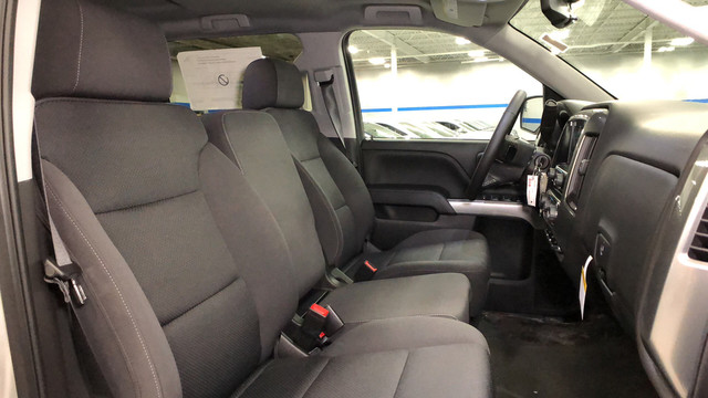 2018 Silverado 1500 Crew Cab 4x4, Pickup #C18357 - photo 17