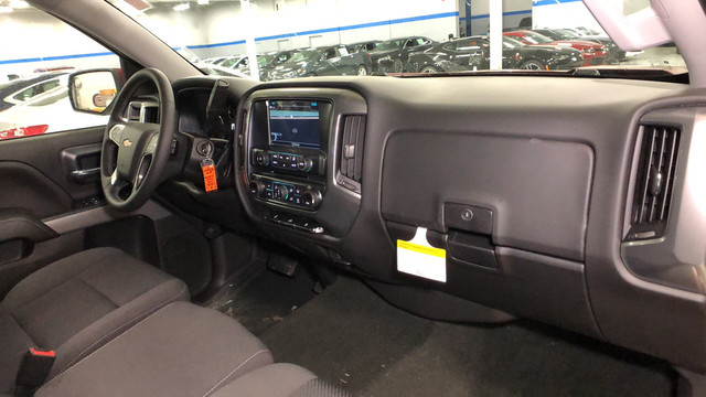 2018 Silverado 1500 Crew Cab 4x4,  Pickup #C18370 - photo 14