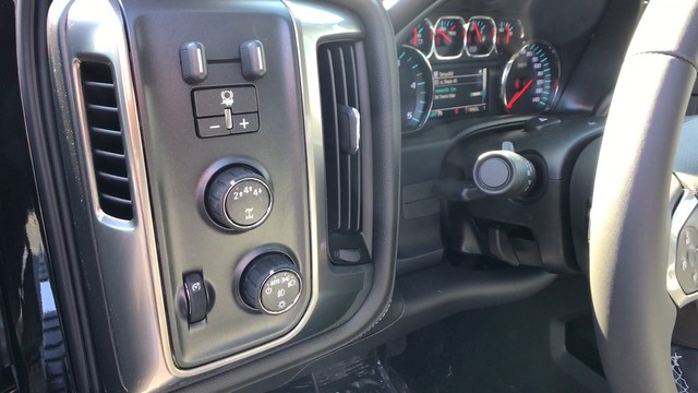 2018 Silverado 2500 Crew Cab 4x4, Pickup #C18614 - photo 11
