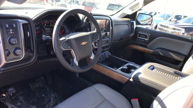 2018 Silverado 2500 Crew Cab 4x4, Pickup #C18614 - photo 10