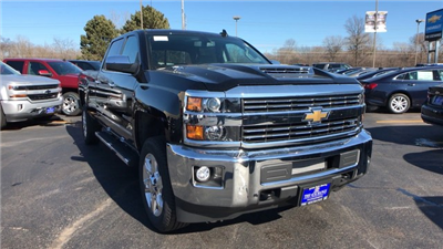 2018 Silverado 2500 Crew Cab 4x4, Pickup #C18614 - photo 3
