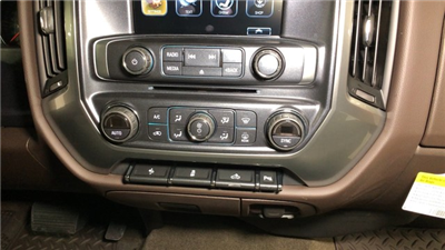 2018 Silverado 1500 Crew Cab 4x4, Pickup #C18638 - photo 20