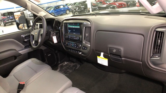 2018 Silverado 2500 Crew Cab 4x4,  Pickup #C18639 - photo 29