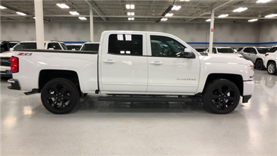 2018 Silverado 1500 Crew Cab 4x4, Pickup #C18649 - photo 12