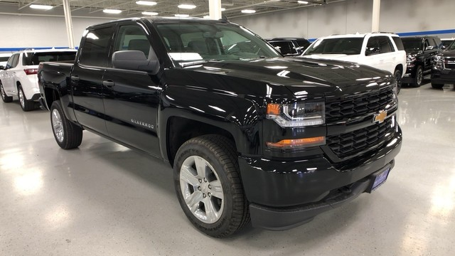 2018 Silverado 1500 Crew Cab 4x4,  Pickup #C18768 - photo 3