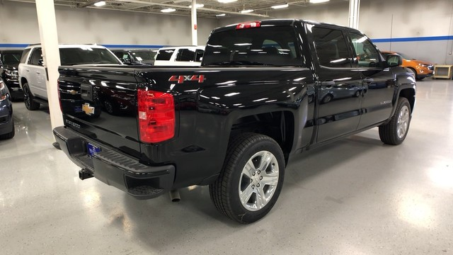 2018 Silverado 1500 Crew Cab 4x4,  Pickup #C18768 - photo 11