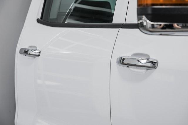 2021 Chevrolet Silverado Medium Duty Crew Cab DRW 4x4, Chipper Body #21138 - photo 12