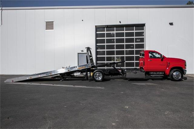 2019 Silverado Medium Duty Regular Cab DRW 4x2, Jerr-Dan Standard Duty Carriers Rollback Body #25059 - photo 3