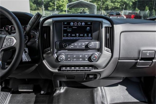 2019 Silverado Medium Duty Regular Cab DRW 4x2, Jerr-Dan Standard Duty Carriers Rollback Body #25059 - photo 24