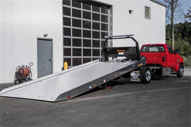 2019 Silverado Medium Duty Regular Cab DRW 4x2, Jerr-Dan Standard Duty Carriers Rollback Body #25059 - photo 2