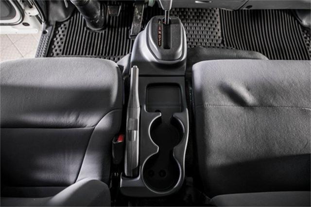 2020 Chevrolet LCF 5500XD Regular Cab DRW 4x2, PJ's Contractor Body #25401 - photo 20