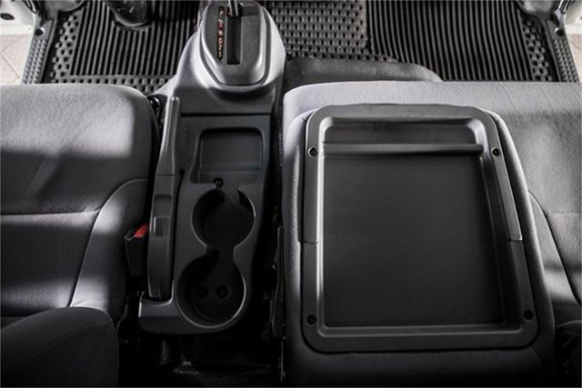 2020 Chevrolet LCF 5500XD Regular Cab DRW 4x2, PJ's Contractor Body #25401 - photo 21
