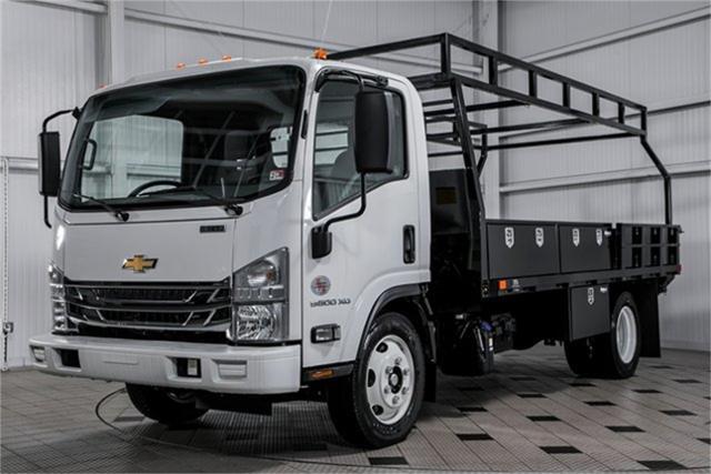 2020 Chevrolet LCF 5500XD Regular Cab DRW 4x2, PJ's Contractor Body #25401 - photo 4