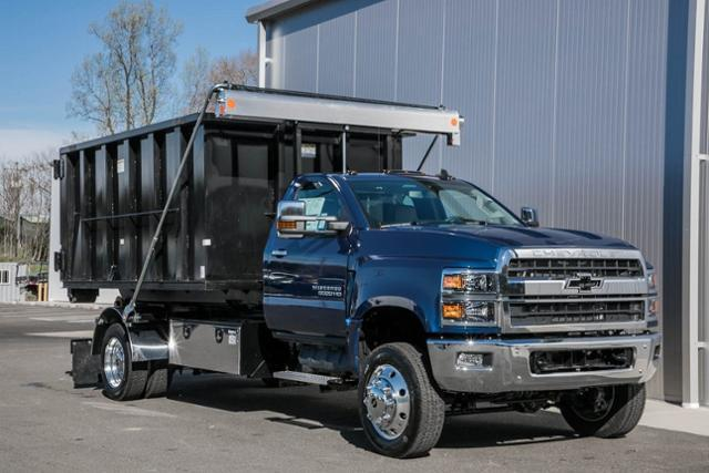 2020 Chevrolet Silverado Medium Duty Regular Cab DRW 4x4, Stellar Industries Hooklift Body #25495 - photo 3