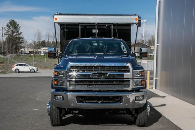 2020 Chevrolet Silverado Medium Duty Regular Cab DRW 4x4, Stellar Industries Hooklift Body #25495 - photo 4