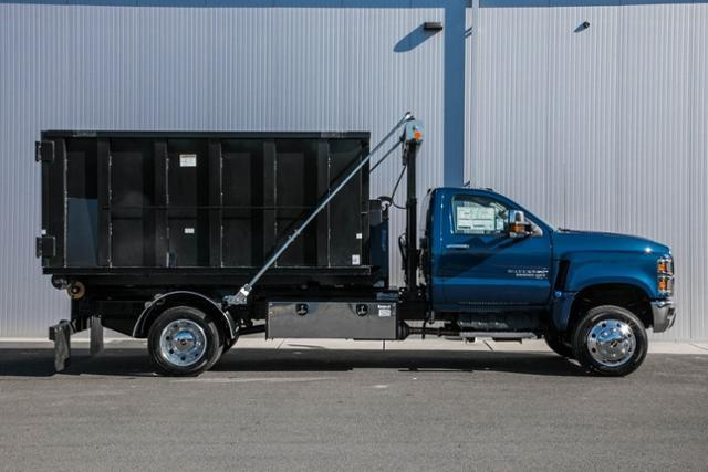 2020 Chevrolet Silverado Medium Duty Regular Cab DRW 4x4, Stellar Industries Hooklift Body #25495 - photo 6