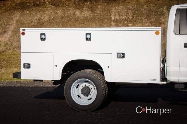 2017 F-550 Regular Cab DRW 4x4,  Knapheide Service Body #53151 - photo 32