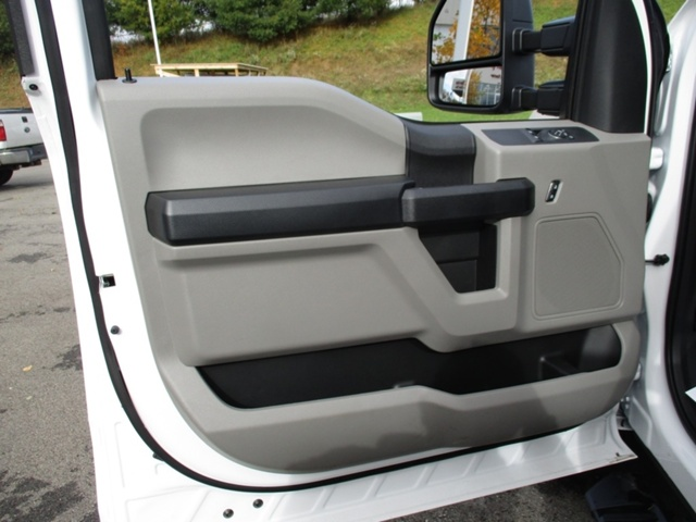 2018 F-350 Regular Cab DRW 4x4,  Freedom Platform Body #T1204 - photo 12