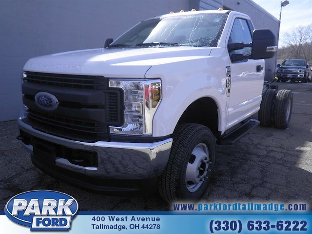 2018 F-350 Regular Cab DRW 4x4, Cab Chassis #T445 - photo 4